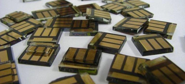 Малки соларни клетки от перовскит