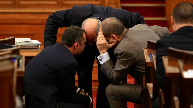 Депутатите приеха на първо четене без дебати промените в антикорупционния