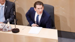 Столът на канцлера на Австрия Себастиан Курц се разклати