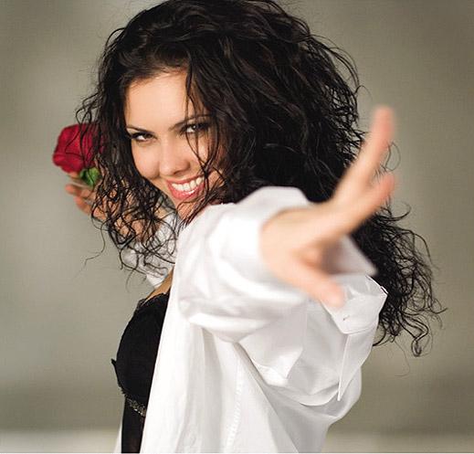 Светла Иванова става поп-фолк певица в нов филм