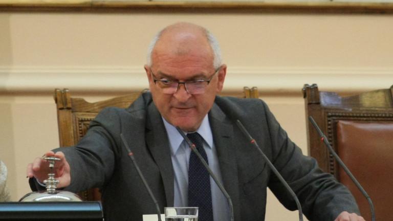 Главчев привиква украинския посланик за изучаването на майчин език в Украйна