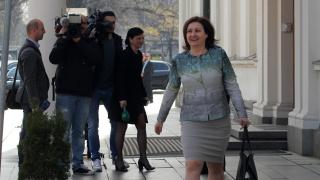 Бъчварова не казва имало ли е политически чадър над ДАИ