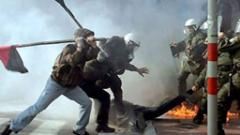 """Гръцки полицай """"до живот"""" заради убийството на анархист"""