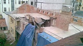 Още няма резултат от спасителната операция в Прага