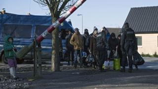 Франция гони 1000 имигранти от лагера в Кале