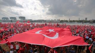 Десетки хиляди подкрепят Ердоган в Кьолн