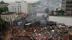 Взрив изравни със земята 10 сгради в Рио де Жанейро