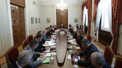 Радев иска от правителството активност в Брюксел за нов план при бежанска вълна