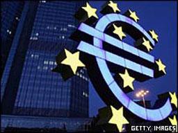 Икономиката на Еврозоната нараства, но слабо
