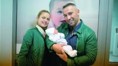 Петко и Яна показаха новородения си син