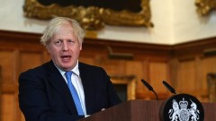 Джонсън: Пандемията във Великобритания не е приключила