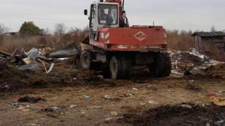 Премахват 8 отчуждени къщи и 908 незаконни гаражи в град