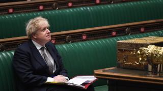 Коледа тази година в камерен състав, призова Джонсън британците