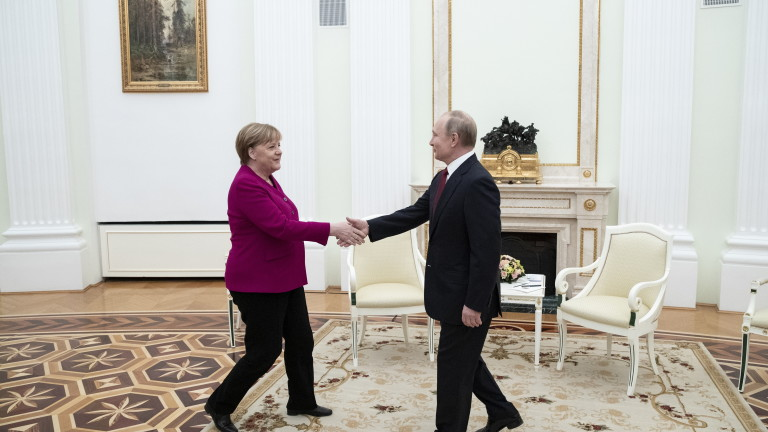 Канцлерът на Германия Ангела Меркел проведе телефонен разговор с президента