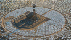 Американец заменя асфалта със соларни панели