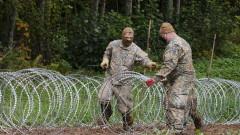 Литва започна изграждането на 4-метрова ограда с бодлива тел по границата с Беларус