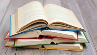 Раздаваха книги срещу смет във Варна