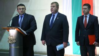 След агенцията, Каракачанов иска Министерство за българите в чужбина