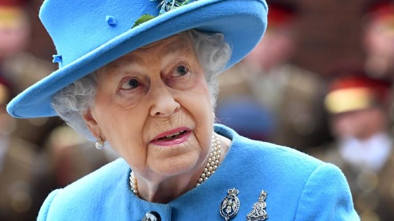За 66 г. кралица Елизабет се среща с дванадесети президент на САЩ