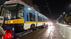 Пристигна първият от новите трамваи в София