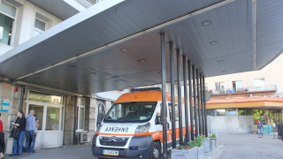 """Наредба не позволявала от """"Пирогов"""" да помагат на спешни пациенти пред болницата"""