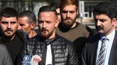 Кюрдски футболист, критик на Ердоган, оцеля при опит за покушение в Германия