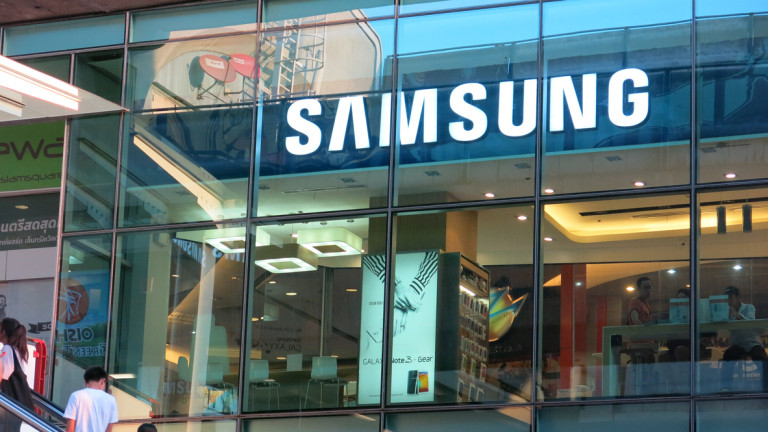 Печалбата на Samsung се срина с 60%