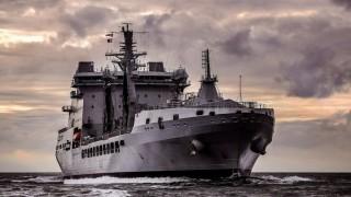 Британските ВМС изведоха от Ламанша 7 руски военни кораба-нарушители