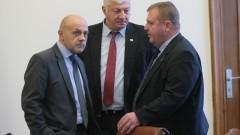 Каракачанов опровергава Симеонов: Коалицията не скърца