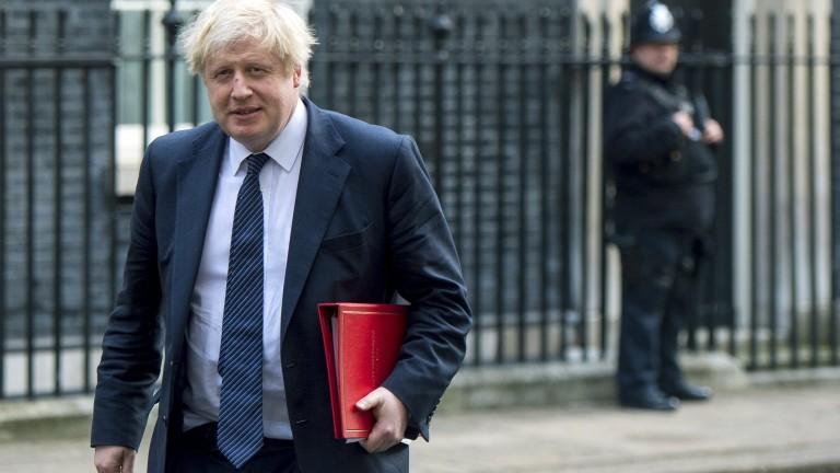 Великобритания отговаря решително на Русия, ако е отровила Сергей Скрипал