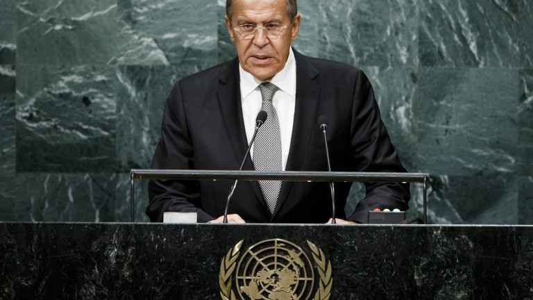 НАТО иска да върне времената на Студената война, обвини Лавров