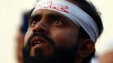 Франция се бори с ислямския екстремизъм, а не с исляма, увери Макрон