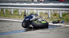 """Моторист е с опасност за живота след катастрофа на АМ """"Струма"""""""
