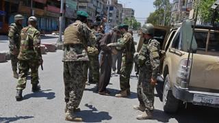 Афганистанец рани четирима американски войници