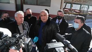 Президентът да каже точно кои пари да спра, настоя Борисов