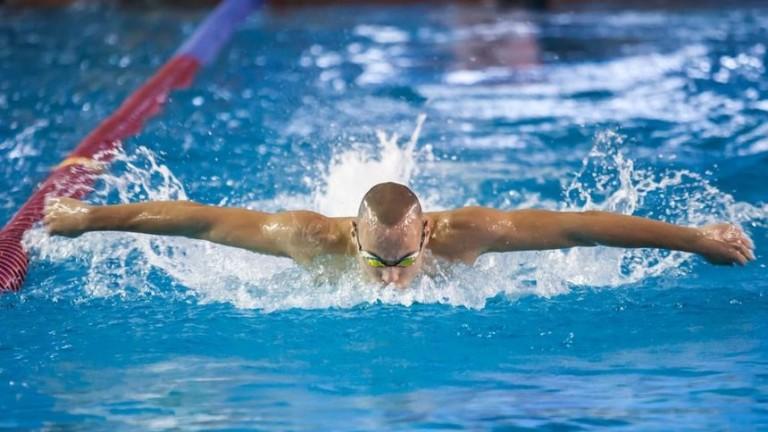 Антъни Иванов спечели титлата на 100 метра бътерфлай