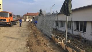 Трима сирийци ранени при сбиване в бежанския лагер в Харманли