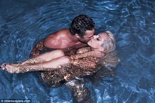 Секс в басейни
