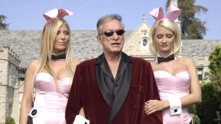 Хю Хефнър се раздели с имението на Playboy срещу сума, наполовина на обявената