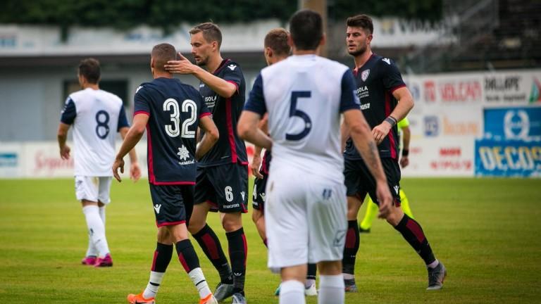Снимка: Кирил Десподов отбеляза поредния си гол за Каляри