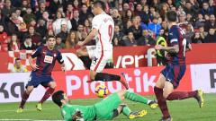 Севиля се измъкна срещу Ейбар с два късни гола