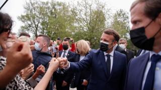 Франция избира местна власт, крайнодесните са надяват на победа