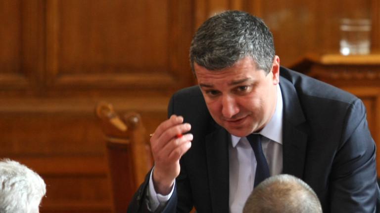 Драгомир Стойнев намира вотa на недоверие за вече успешен. Това