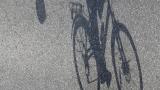 Шофьорите да изпреварват велосипедисти минимум на метър и половина
