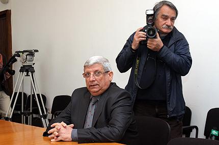 Военният министър катастрофира в София