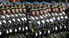 """Китайската армия се надява на """"стабилни"""" отношения с американската армия"""