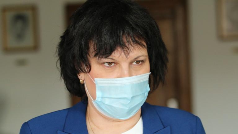 Таня Михайлова: Имаме всички условия за присъствено обучение в училищата