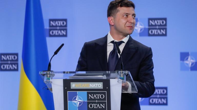 Зеленски обеща: Украйна ще се присъедини към НАТО само след референдум