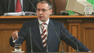 ДСБ: Станишев да говори пред НС за кризата с учителите