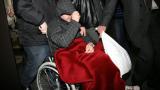 Йоско в инвалидна количка в съда